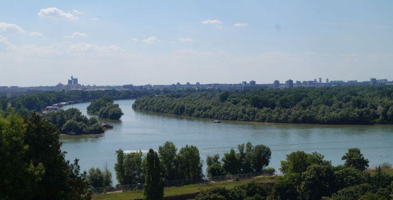 Widoki na ujście Sawy do Dunaju z belgradzkiej twierdzy Kalemegdan