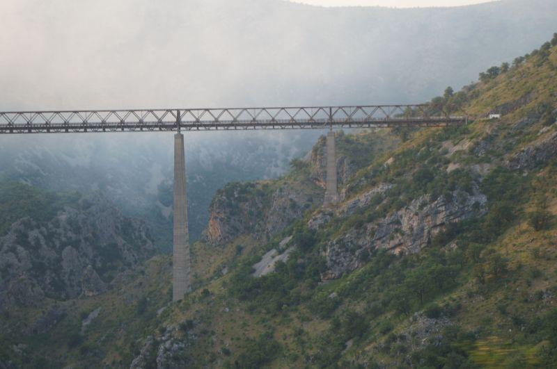 Najwyższy most kolejowy w Europie i trzeci co do wielkości na świecie