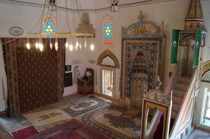 Wnętrze meczetu Koski Mehmed Paszy w Mostarze