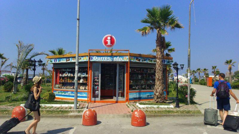 Informacja turystyczna w Durres znajduje się niedaleko portu