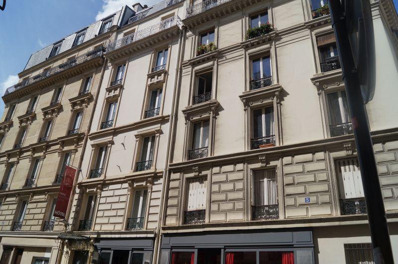 Obecnie przy Rue Fllaters 3 mieści się mały hotelik The five.