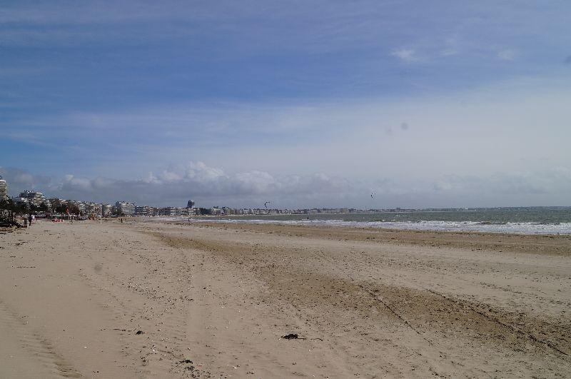 Plaża okażdej porze roku jest jedną zgłównych atrakcji La Baule