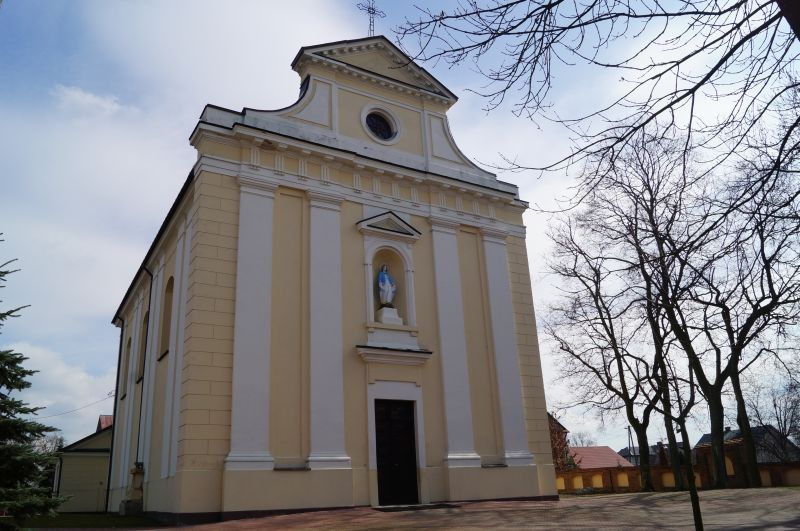 Kościół w Okrzei, w którym ochrzczony został Henryk Sienkiewicz