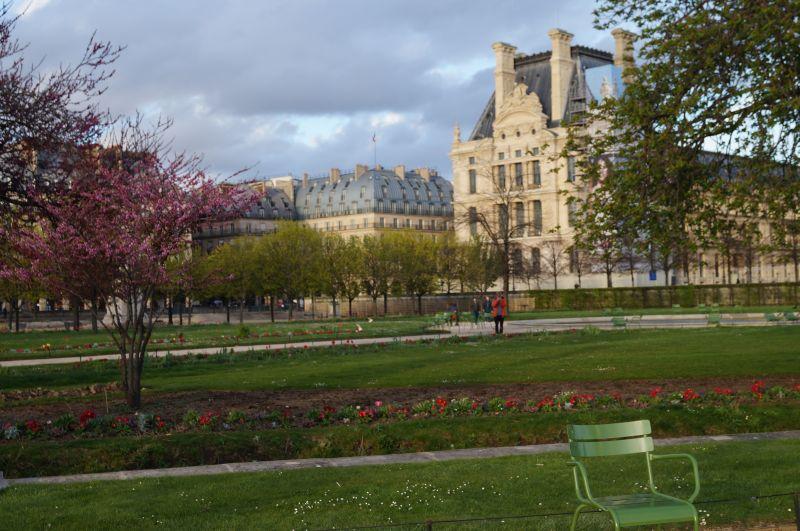 Niestety niema już pałacu Tuileries, ale zostały przepiękne ogrody, w których zarówno paryżanie jak i turyści bardzo lubią odpoczywać
