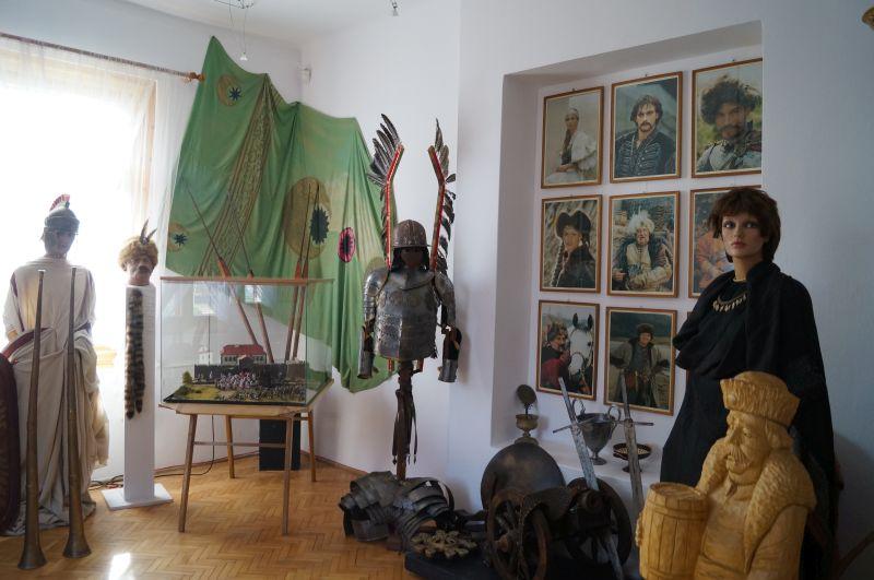 Jedna zsal muzealnych - tu każdy może wcielić się wPana Wołodyjowskiego