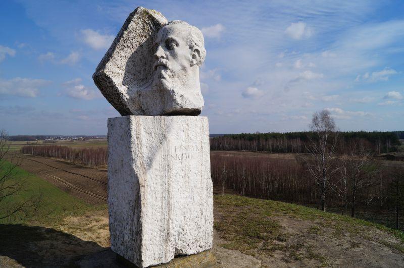 Kopiec Henryka Sienkiewicza wOkrzei