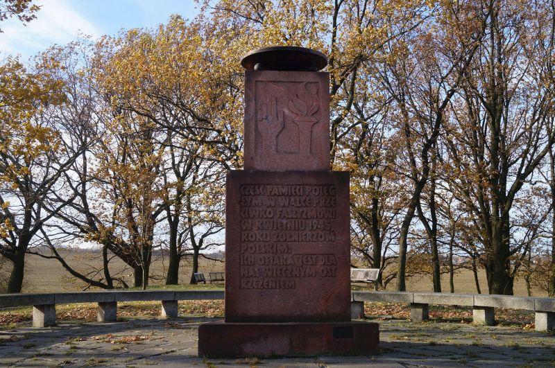 Skromniejszy pierwszy pomnik upamiętniający udział Polaków w bitwie pod Budziszynem