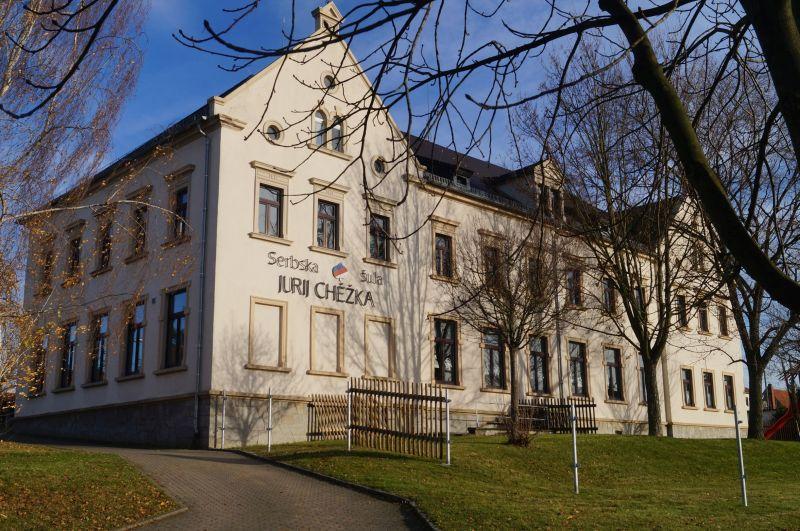 Serbołużycka szkoła w Chróścicy (niem. Crostwitz)
