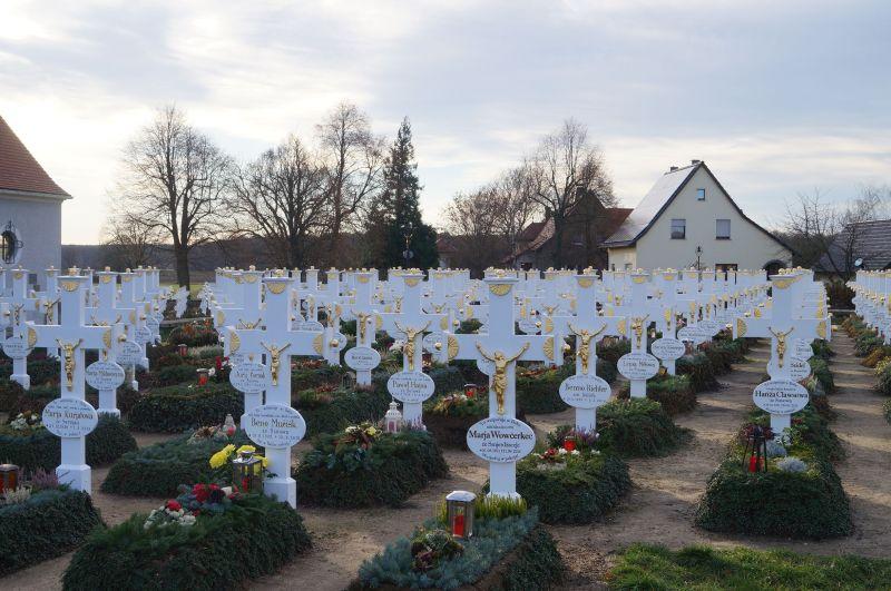 Cmentarz w Ralbicy (niem. Ralbitz)