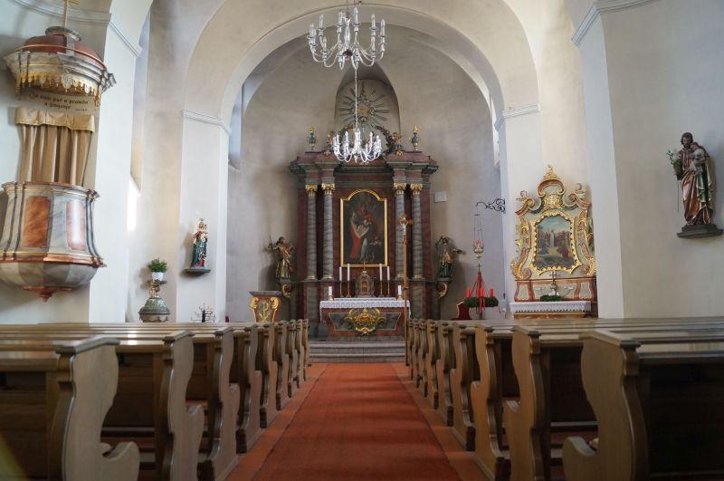 Wnętrze kościoła w Wotrow (niem. Ostro)