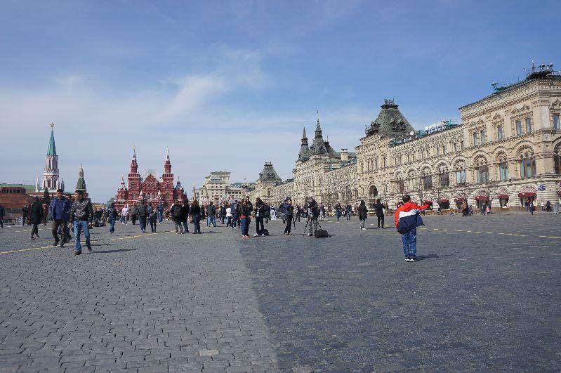Moskiewski GUM zamyka Plac Czerwony