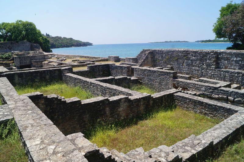 Pozostałości rzymskiej castry naWyspach Brjońskich