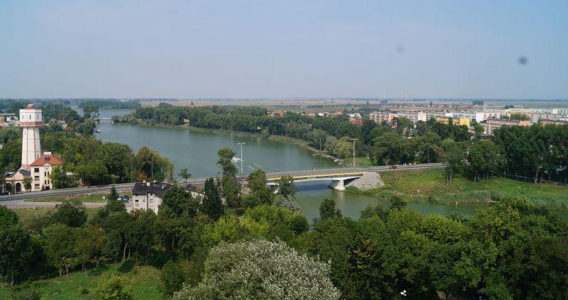 Panorama Kruszwicy ijeziora Gopło zMysiej Wieży
