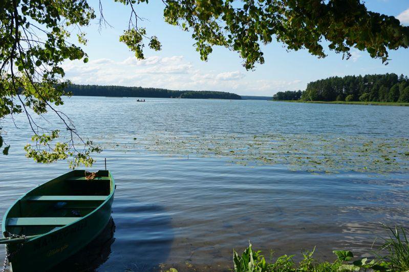 Jezioro Mokre tojedno znajpiękniejszych inajgłębszych jezior wPuszczy Piskiej