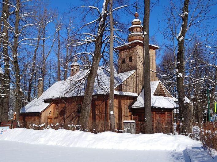Zabytkowy kościół naPęksowym Brzyzku wZakopanem