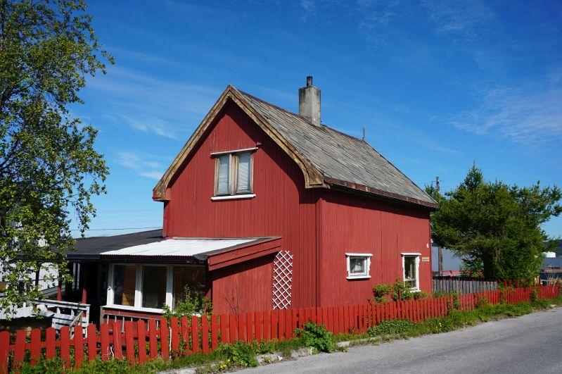 W Kirkenes można zobaczyć zabytkowe domy